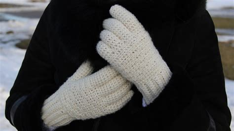 how to knit gloves with fingers for beginners crochet gloves crochet and knit