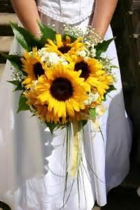 sunflower wedding memorable wedding sunflower wedding bouquet ideas