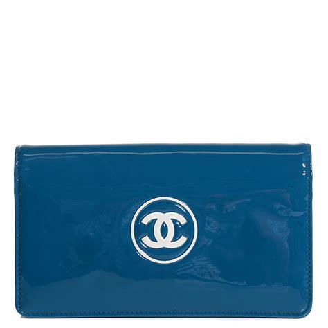 Make Up Wallet chanel patent make up yen wallet blue 101590
