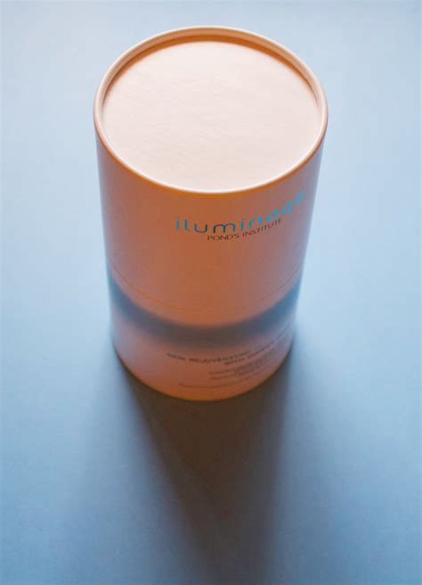 skin rejuvenating pillowcase with copper oxide iluminage i ve been sleeping on this copper pillowcase to fight