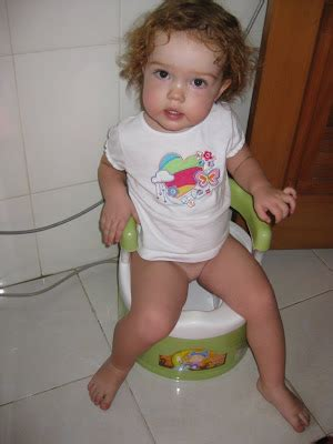 little girl potty training boys what age to potty train dogs signs to potty train a boy