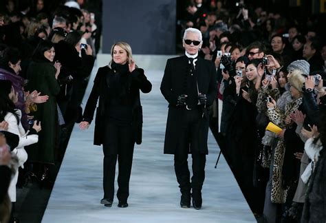 Fendi Catwalk Show In Great Wall Of China by Karl Lagerfeld Photos Photos Fendi Great Wall Of China