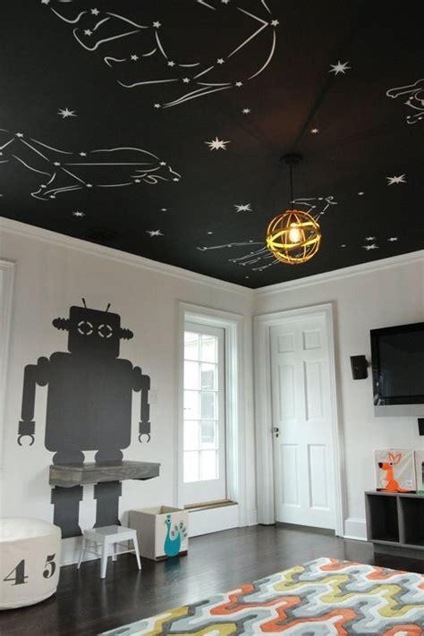 etoiles phosphorescentes plafond chambre un plafond plein d 233 toiles dans une chambre enfant