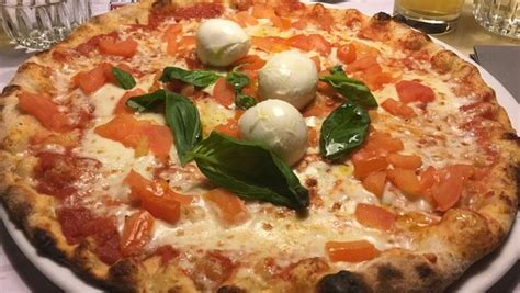 pizza la terrazza foto de pizzeria la terrazza montebelluna buonissima