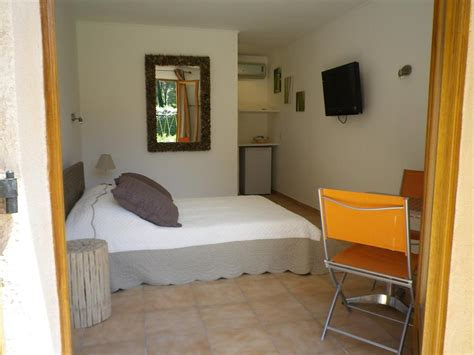 chambres d hotes grimaud chambres d h 244 tes villa aliz 233 chambres d h 244 tes grimaud