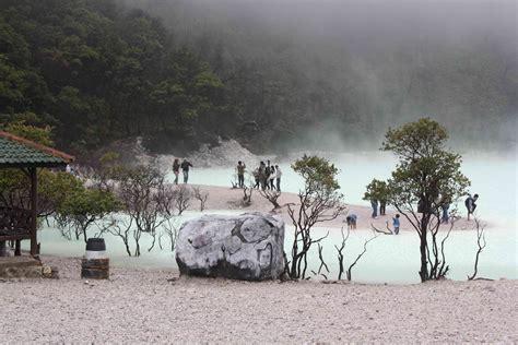 kawah putih ciwidey bandung daftar pariwisata  indonesia