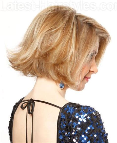 shaping back of hair to flipin with a layer cut shaping back of hair to flipin with a layer cut hair color