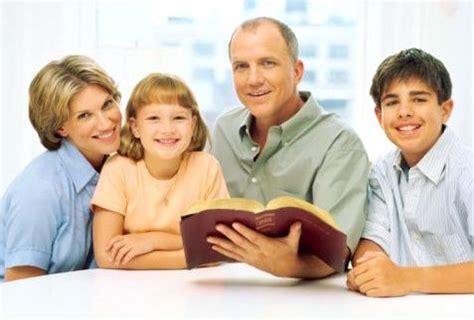 imagenes de la familia orando igreja ou sua fam 237 lia veja a escolha certa em reflex 227 o de