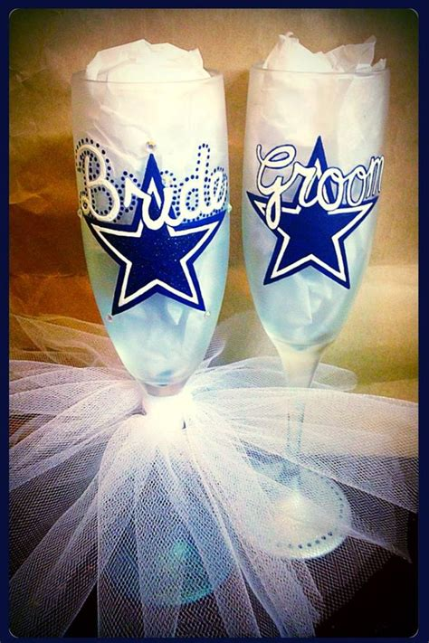Wedding Anniversary Ideas Dallas by 25 Best Ideas About Wedding Toasting Glasses On