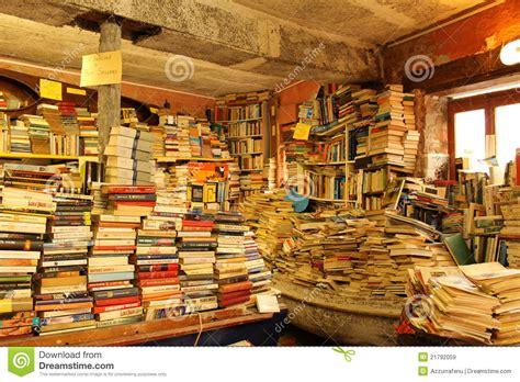 librerie venezia vecchia libreria a venezia immagine stock editoriale