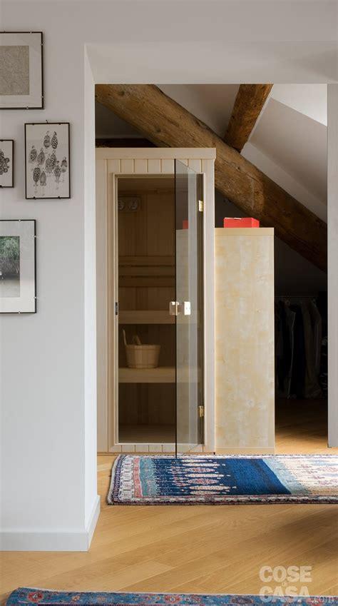 mobili modificati sottotetto una casa con travi a vista cose di casa