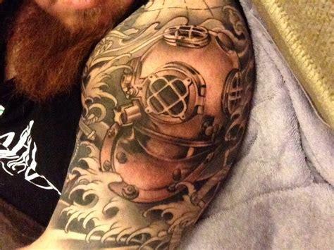diving helmet tattoo half sleeve v dive helmet yelp tatoo