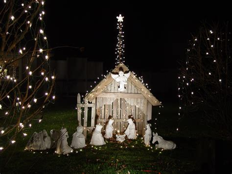 Outdoor Lighted Nativity by Nativityusa Org