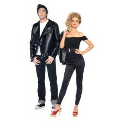 costumes couples what your costume says about you unwritten