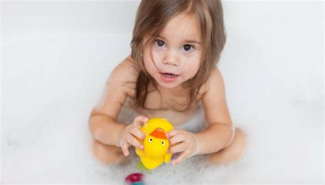 best bathtub toys for toddlers best bath toys for toddlers 2018 toy review experts