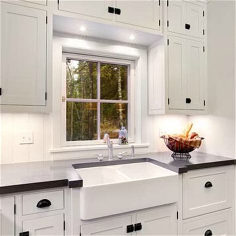 White Kitchen Cabinets With Rubbed Bronze Hardware by White Cabinets With Rubbed Bronze Hardware Design Ideas
