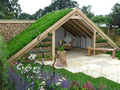 membuat rumah unik membangun model taman atap rumah unik dan keren renovasi