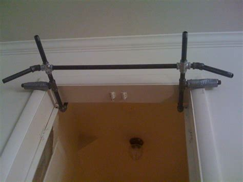 Pull Up Bar For Door by No Screws Or Holes Pull Up Bar Door