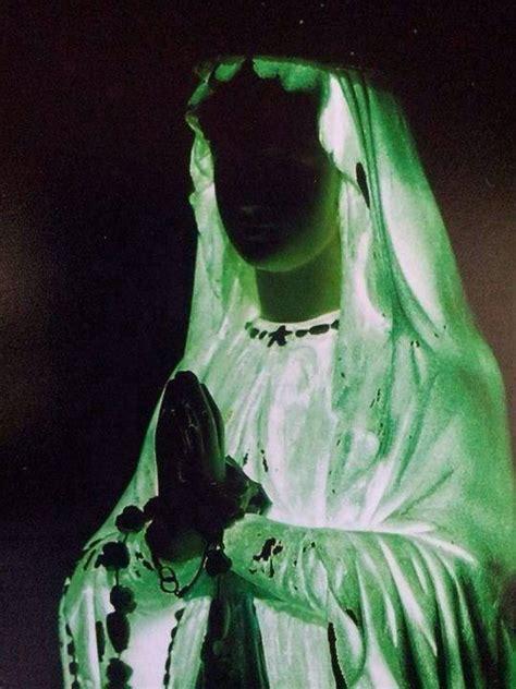 madonnina di medjugorje si illumina medjugorje quando la statua della madonna si 232 illuminata