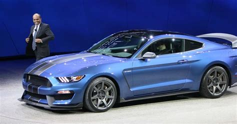 ford mustang shelby gt350 price 2016 ford mustang gt350 and gt350r price leaked