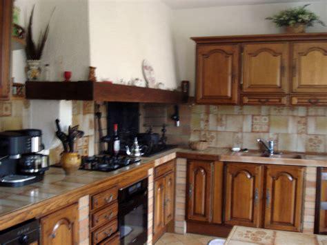 r駭 une cuisine en ch麩e charmant refaire cuisine en bois 4 relooker une cuisine
