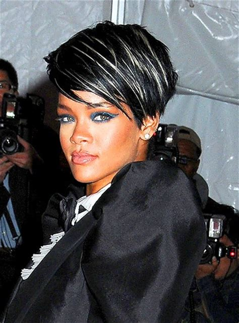 drastic highlighted hair styles short black hair blonde highlights and black hair on