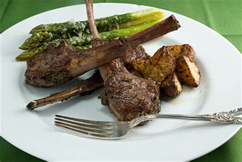 fried lamb chops pan fried lamb chops with garlic and herbs sauce and