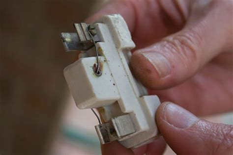 where to buy house fuses where to buy fuses for house 28 images how to replace a circuit breaker fuse