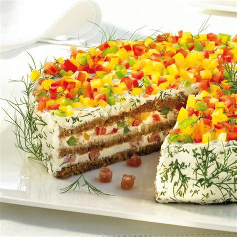 schwarzbrot kuchen herzhafte schwarzbrot frischk 228 se torte rezept