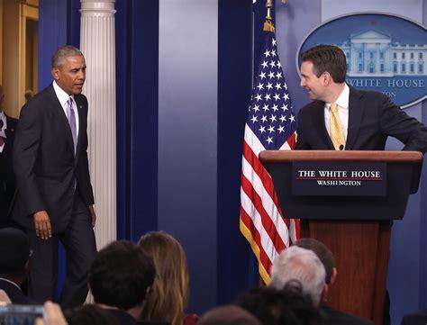white house press secretary barack obama photos photos white house press secretary josh earnest holds daily