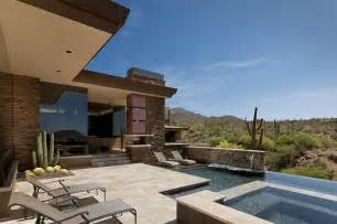 desert house in arizona has roomy interiors and stunning