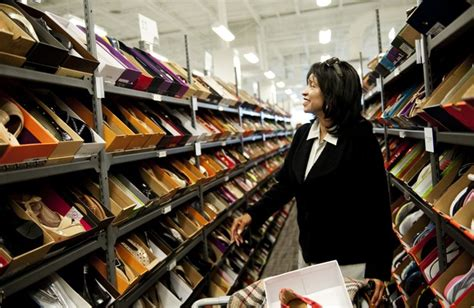 Bnordstrom Rack by Hundreds Of Shoppers Flock For Peek At Arbor S