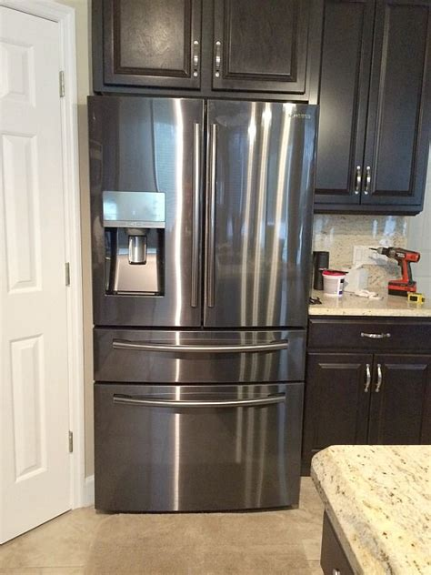 Black Kitchen Cabinets With Stainless Steel Appliances 25 Best Ideas About Black Stainless Steel On Stainless Steel Refrigerator