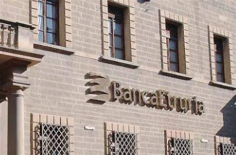 banca etruria it banca etruria in crisi elargiva premi a dipendenti e dirigenti