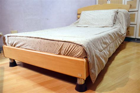 To Bed by How To Make A Bed Without A Fitted Sheet 11 Steps With