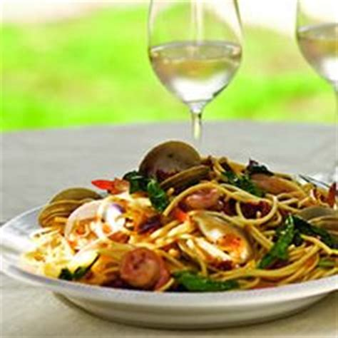 Dinner Spaghetti With Pinot Grigio Seafood by Wines To Pair With Pasta On Pasta Wine And