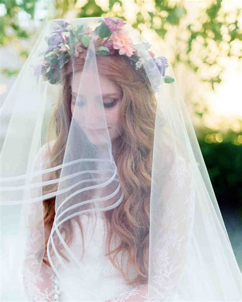 Wedding Hairstyles With Veil And Flower Big by 33 Ways To Wear Your Hair For Your Wedding Martha