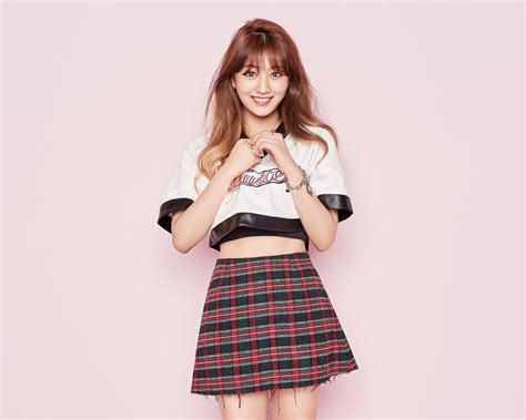 7 Knock Wear by Gifts Fans With More Individual Photos For