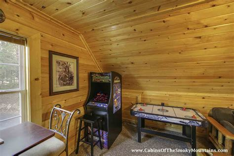 8 bedroom cabins in pigeon forge pigeon forge cabin bear country 2 bedroom sleeps 8