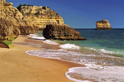 bucht die bank auch samstags portugal nur strand und bucht die algarve kann auch