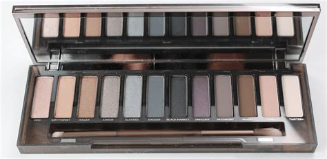 Decay Smoky Pallette Smokey Pallette current obsession the decay smoky palette