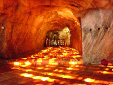 Himalaya Salt Original Pakistan khewra salt range pakistan floor inside the salt