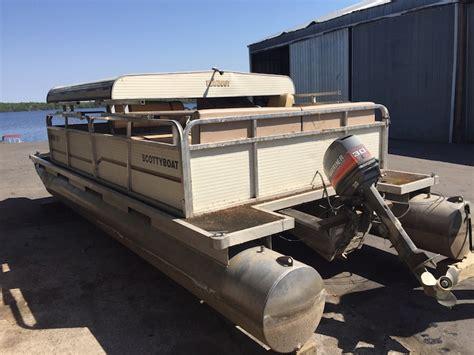 Metal Deck Awning This Aging Pontoon Boat Got A Fabulous Diy Upgrade