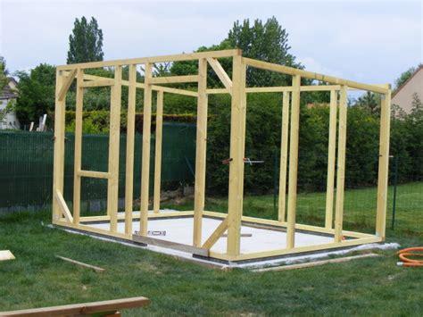 Construire Abri Jardin Bois by Construire Une Cabane De Jardin En Bois