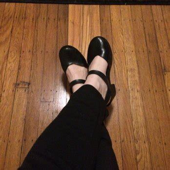 shoe repair eugene eugene s shoe repair 18 reviews cobbler shoe repair