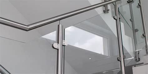 Treppengeländer Edelstahl Glas by Hochwertige Edelstahl Treppengel 228 Nder Kombiniert Mit Glas