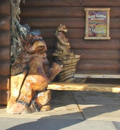 Log Cabin Restaurant Baraboo Wi by Top 28 Ideas About Chainsaw Carvings And Statues On