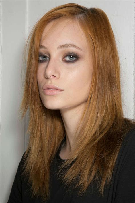 hair stlyes with side parting oval face small forehead 7 hairstyles for oval faces to try this year