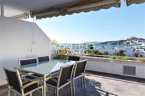 apartamentos en ibiza centro apartamento con 3 habitaci 243 nes en marina botafoch paseo