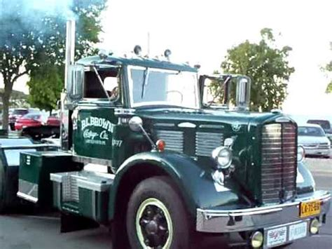 truck shows in michigan 1947 brocway at st ignace michigan truck 2011